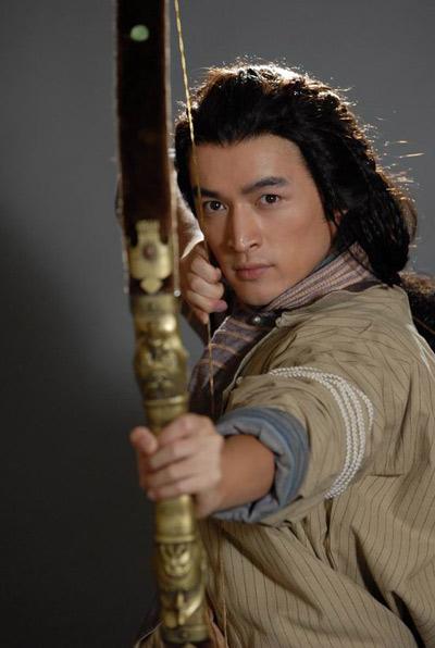 """Hồ Ca thủ vai Quách Tĩnh trong phim """"Anh hùng xạ điêu"""" được dựng theo tiểu thuyết của Kim Dung"""