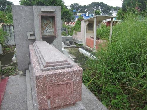 Mộ Ngô Đình Cẩn hiện nay tại thị xã Thuận An, tỉnh Bình Dương. Ảnh: Phanxipăng