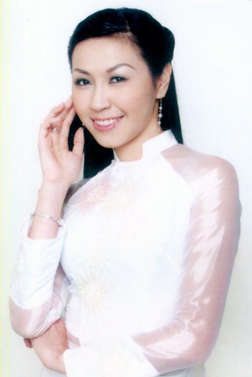 Vũ Hương Giang, thí sinh Việt Nam tham dự cuộc thi Hoa hậu sinh viên thế giới 2003