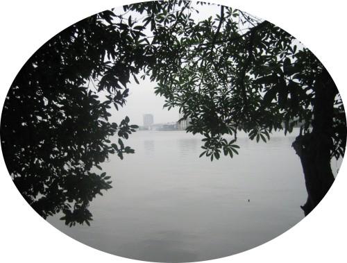 Hồ Tây ở Hà Nội. Ảnh: Phanxipăng
