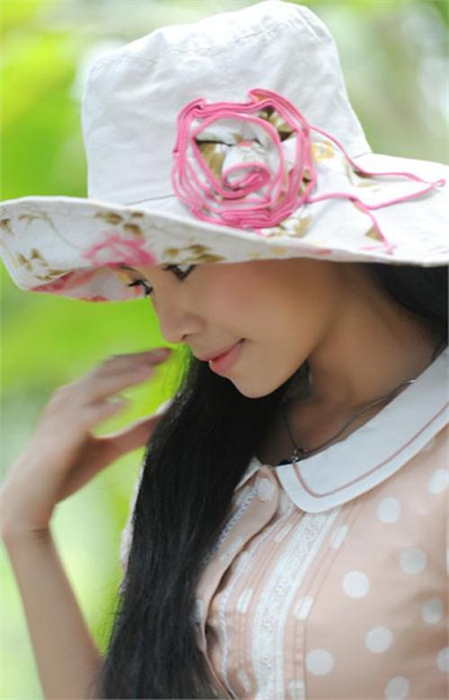 """Dương Thị Mộng Hoài thủ vai Lệ Hà trong phim """"Người đẹp Bình Dương"""" (2009)"""