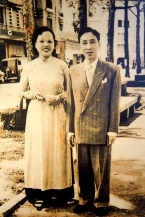 Vợ chồng nhà thơ-văn-báo-xuất bản Đông Hồ & Mộng Tuyết