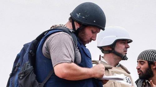 Nhà báo Steven Sotloff tác nghiệp