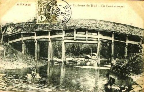 Cầu ngói Thanh Toàn qua bưu ảnh Pháp