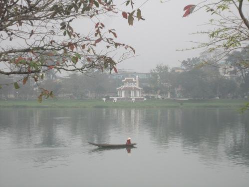 Sông Hương & Thương Bạc sớm mù sương. Ảnh: Phanxipăng