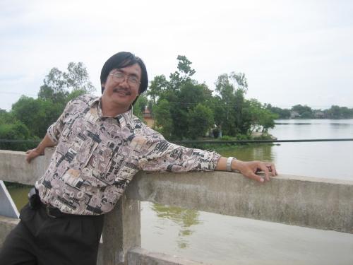 Phanxipăng trên cầu Thanh Phước, nơi sông Bồ hợp lưu với sông Hương rồi đổ ra biển Đông. Ảnh: Lê Hải