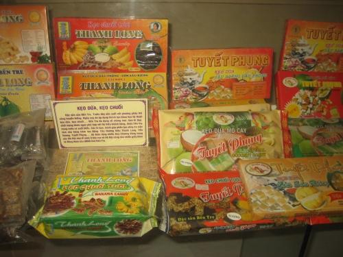 Kẹo dừa, kẹo chuối trong Bảo tàng tỉnh Bến Tre. Ảnh: Phanxipăng